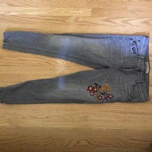 Zara Basic Z1975 Denim Jeans w/ floral stitch
